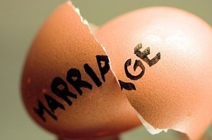 Broken egg as symbol of problem marriage